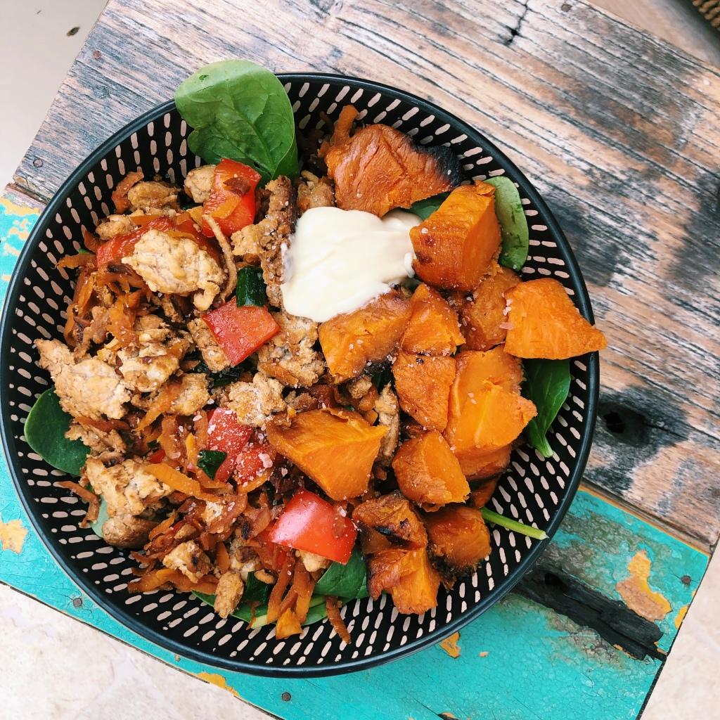 Easy Lunch Prep Idea: Turkey Mince & Veggie Salad - GE ...